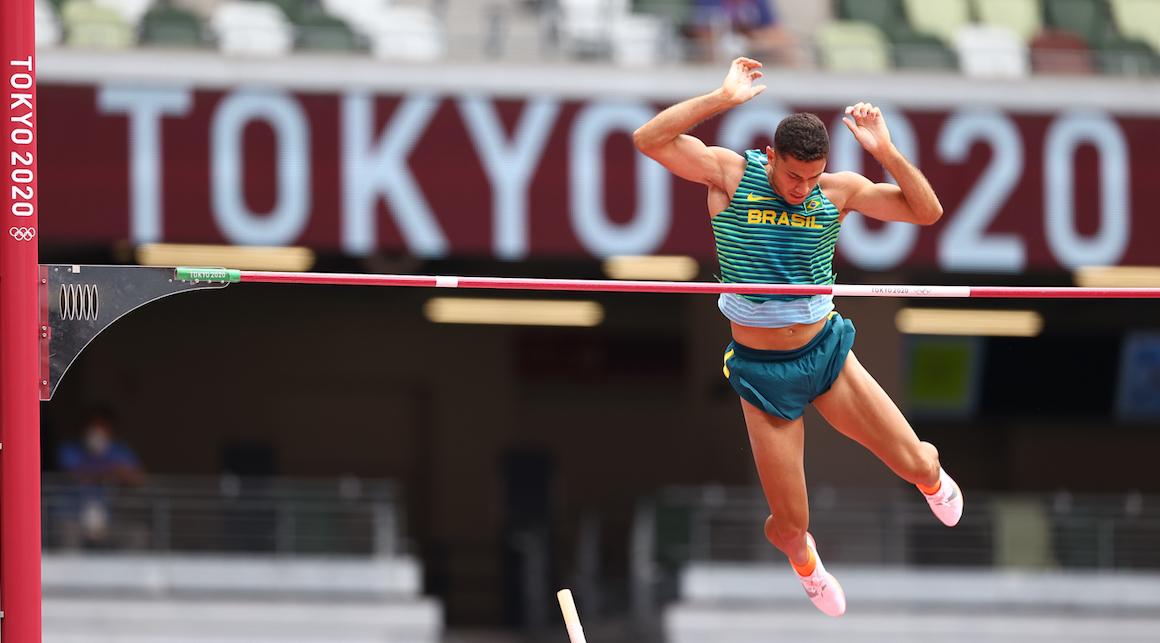 Thiago Braz e Izabela Rodrigues vão às finais dos Jogos Olímpicos de Tóquio  - Revista Contra-Relógio